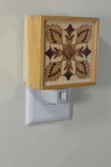 Mulberry nightlight with quilt pattern inlay